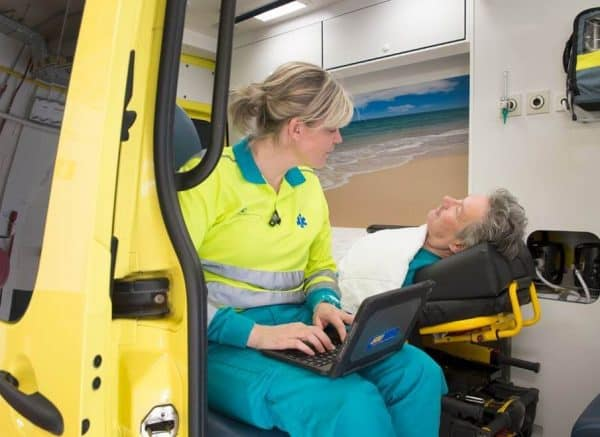 RAV Brabant Midden-West-Noord - Ambulance met patient
